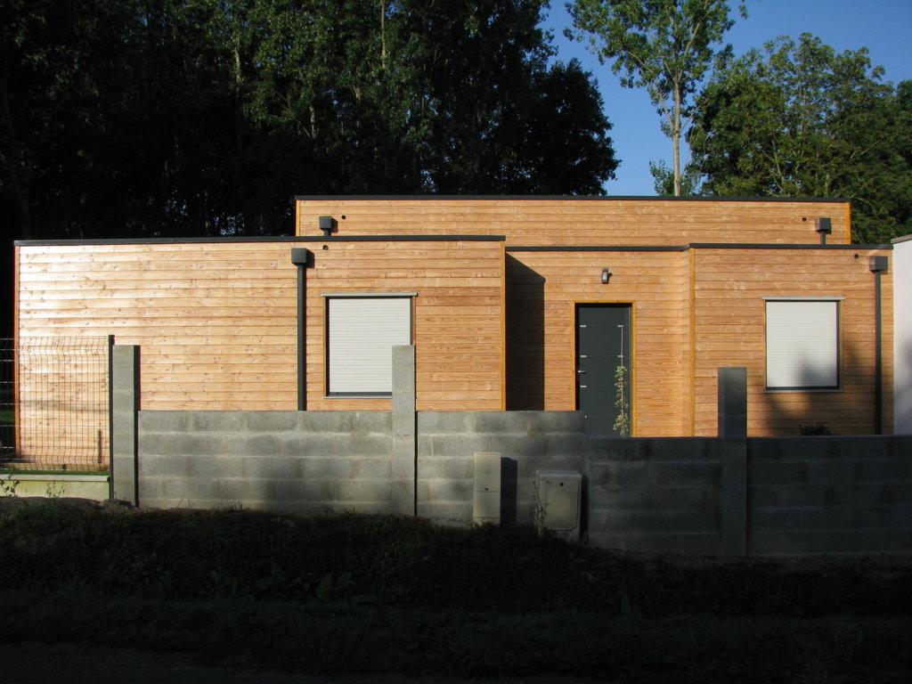 Maison individuelle plain pied bardage bois nos realisations for Bardage maison bois